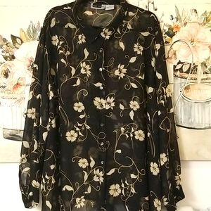 Maggie Barnes 32W Black Floral Button Down Long SL